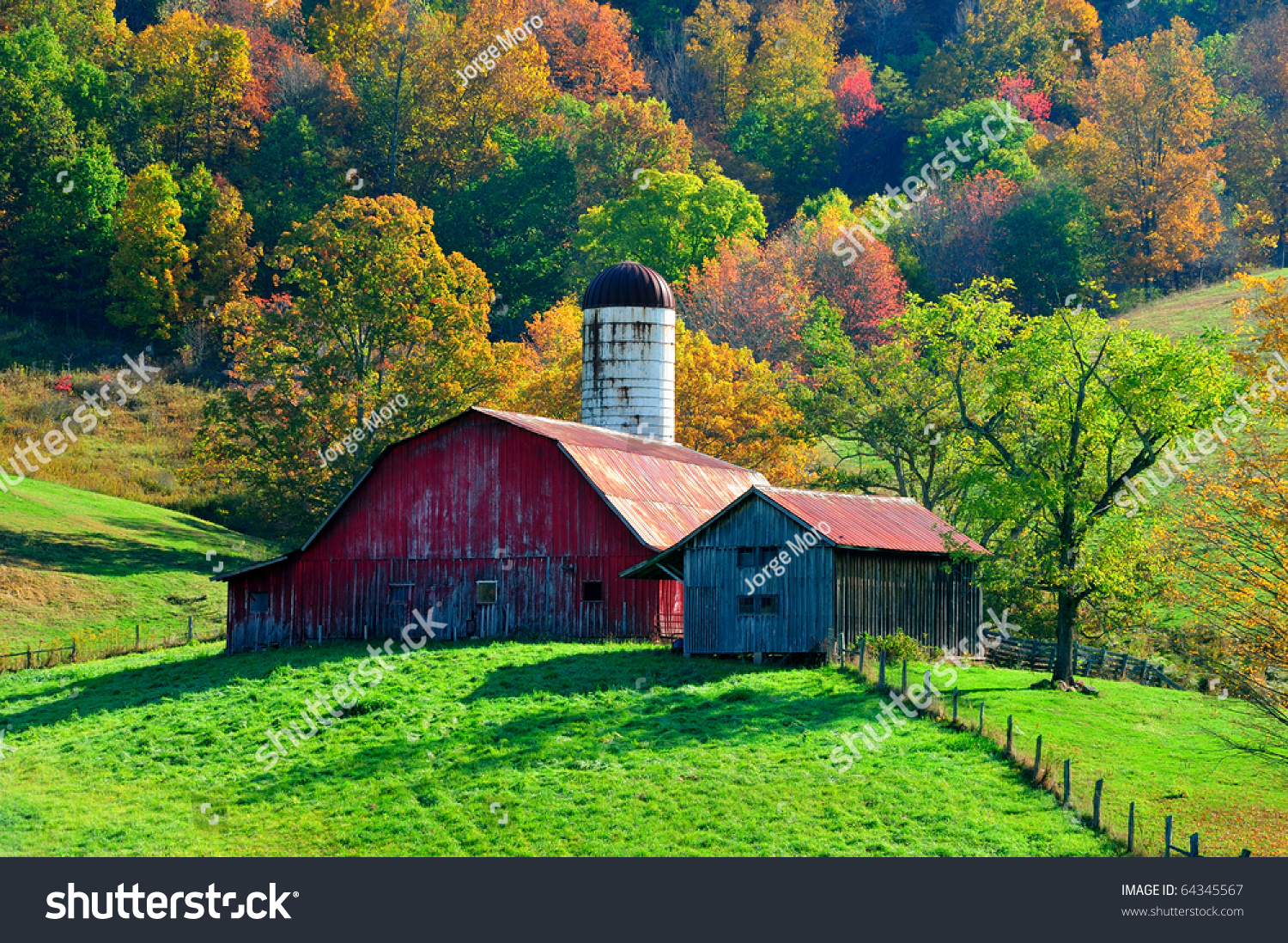 Picturesque Red Barn Front Beautiful Autumn Stock Photo 64345567 ...
