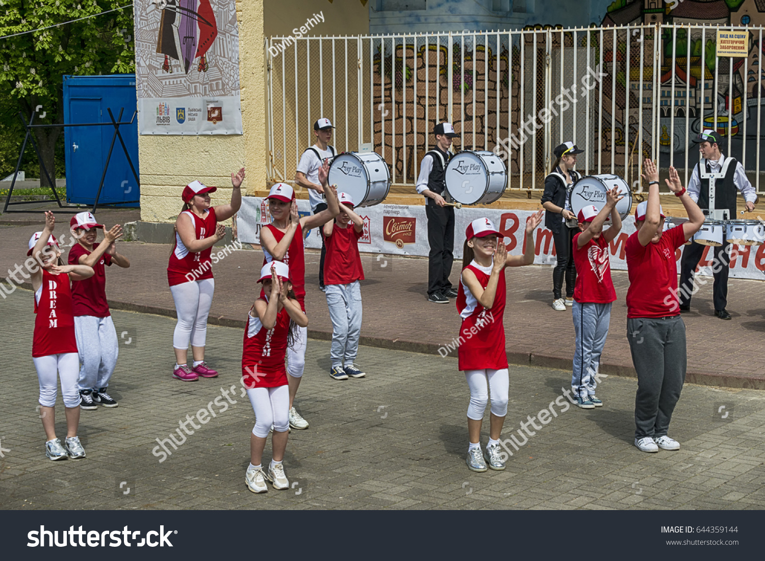 Courses, dance schools in Lviv region: a selection of sites