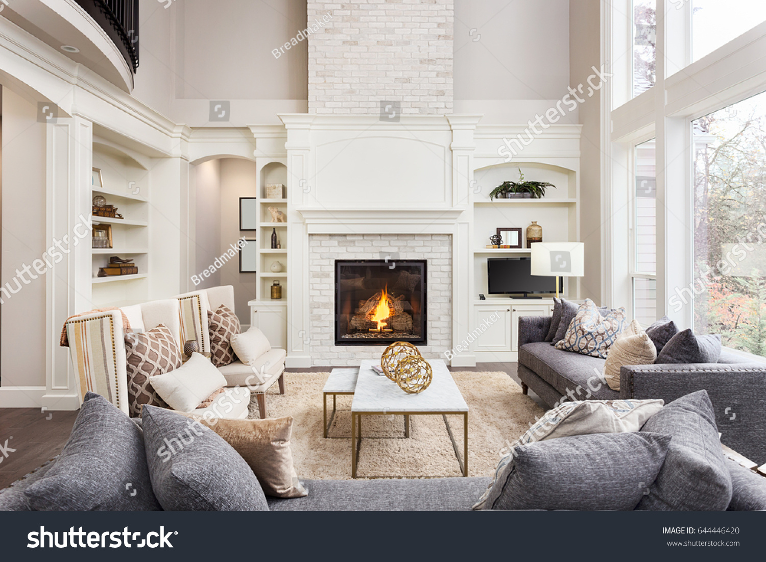 Beautiful Living Room Interior Hardwood Floors 644446420 Shutterstock
