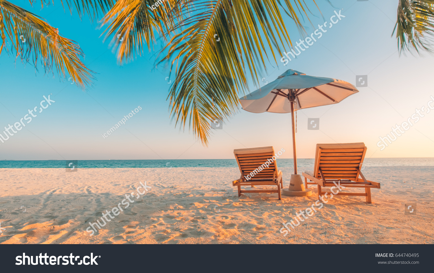 tranquil beach scene exotic tropical beach の写真素材 今すぐ編集