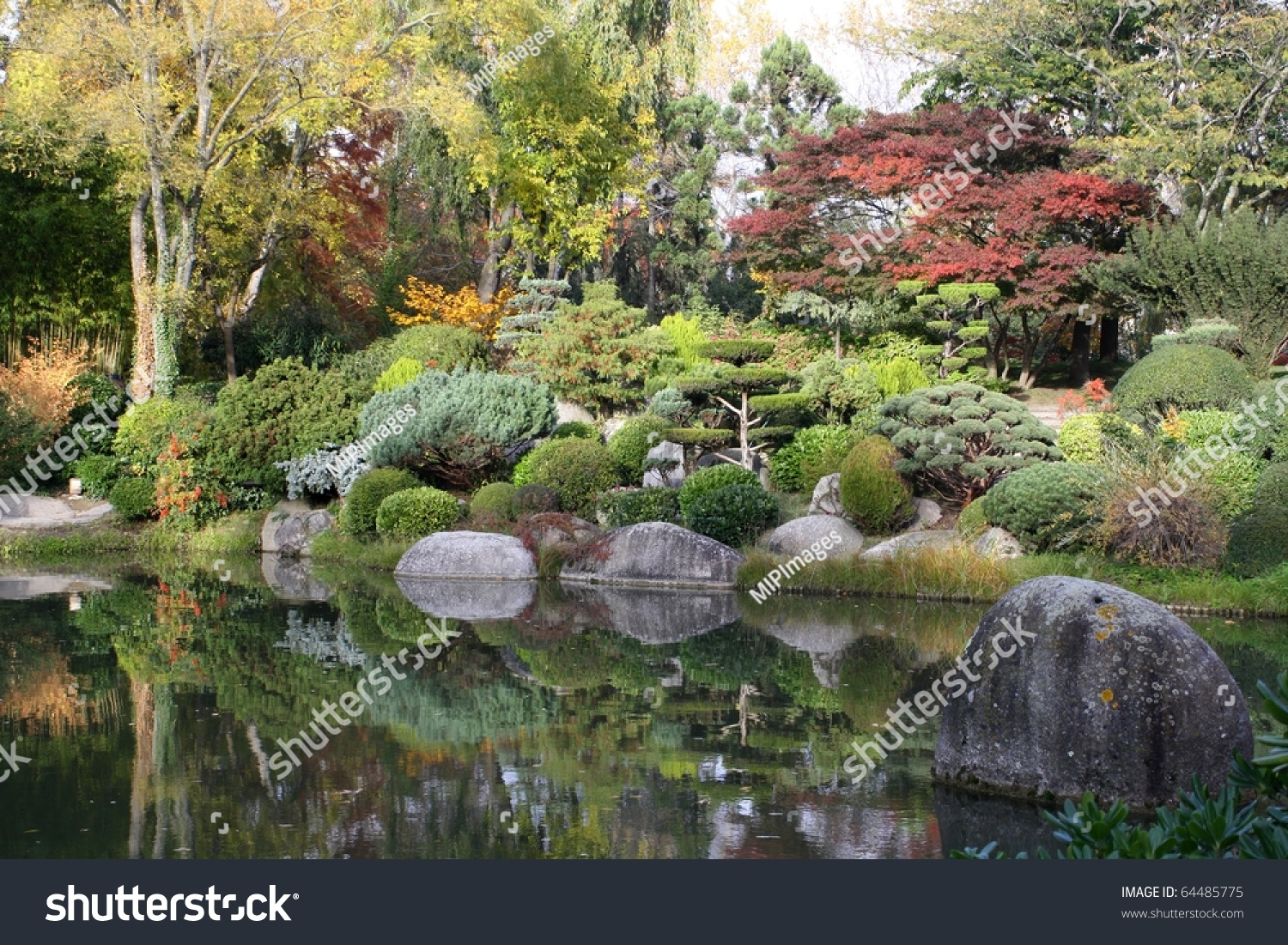Jardin japonais de toulouse stock photo 64485775 for Jardin japonais toulouse