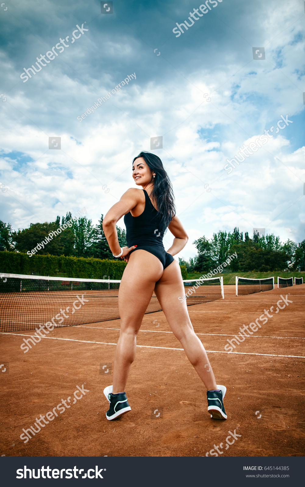 Hardcore female athlete asses