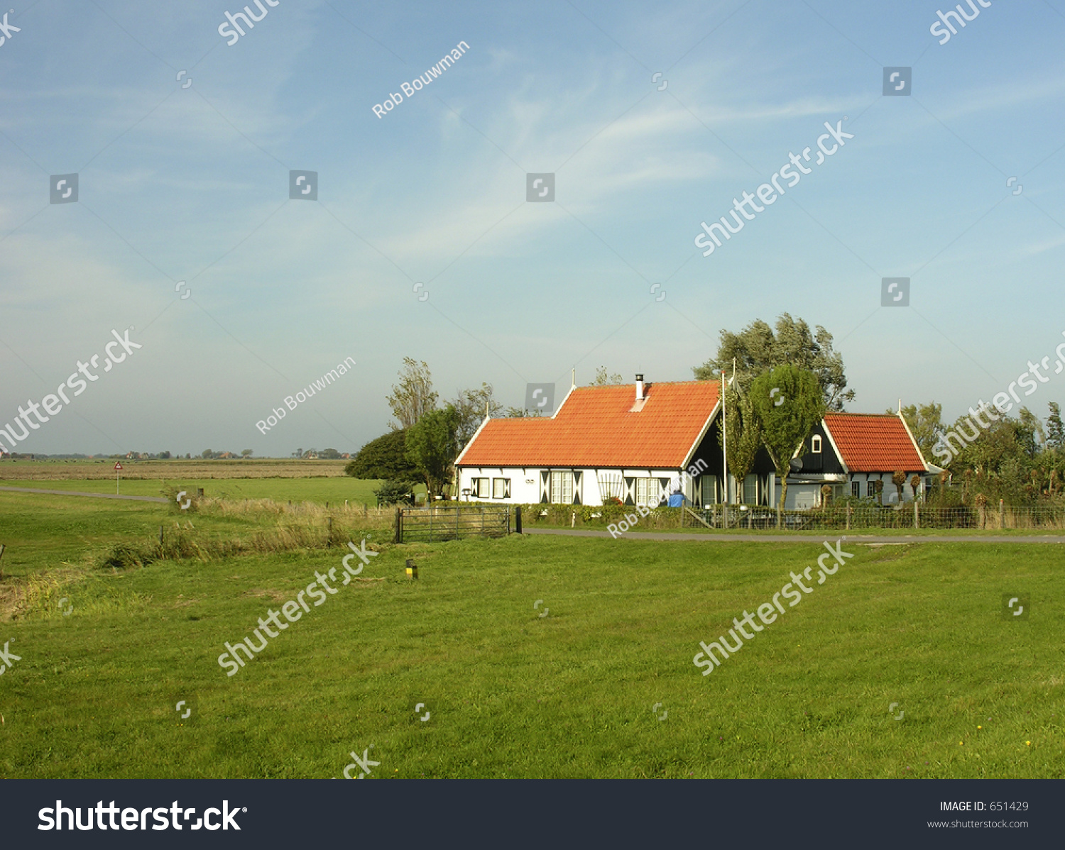 Old dutch house stockfoto 651429 shutterstock for Classic dutch house of 60m2