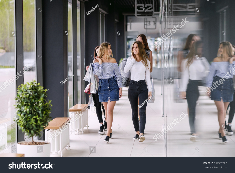 Four Beauty Girls Walking Shopping Mall Stock Photo 652307392