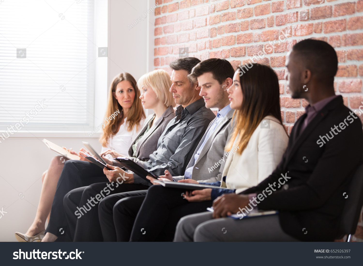 group diverse people waiting job interview の写真素材 今すぐ編集