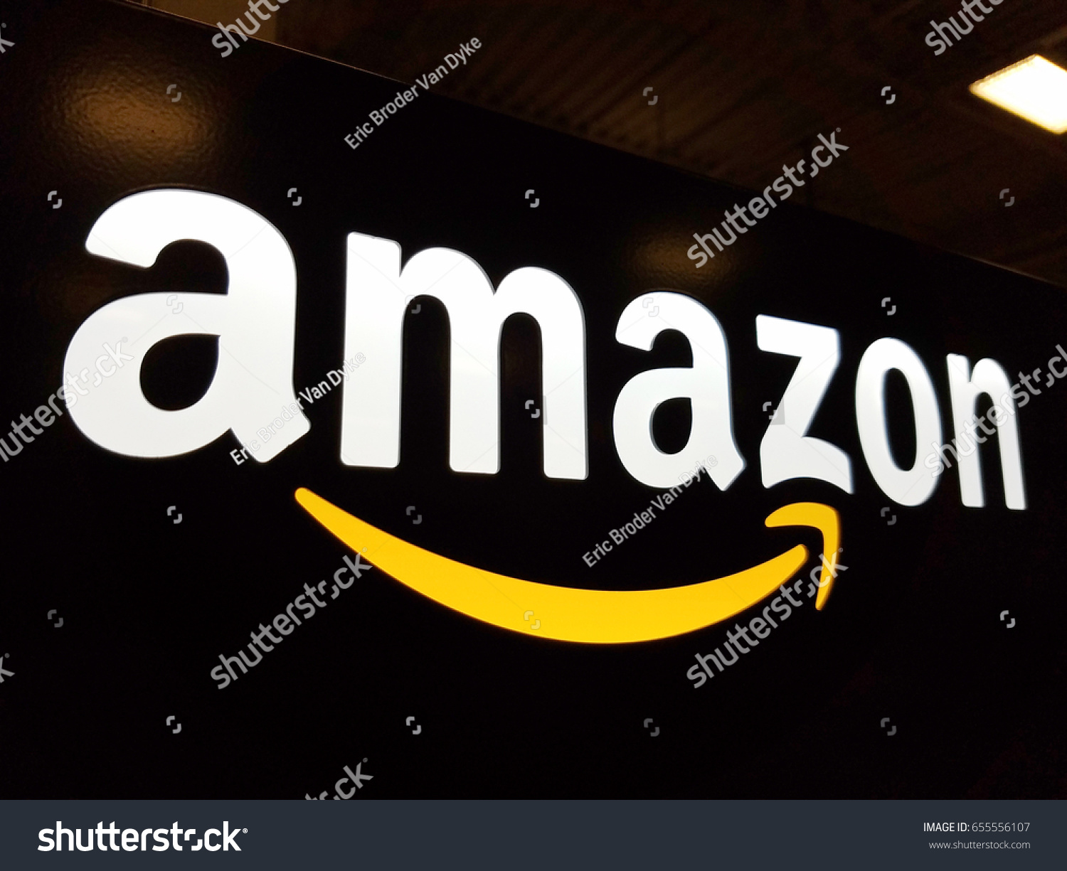 amazon com an e commerce retailer 1 Amazon is dominating the entire retail industry amazon accounted for $051 of every $1 of growth with e-commerce accounting for about half of the industry's.