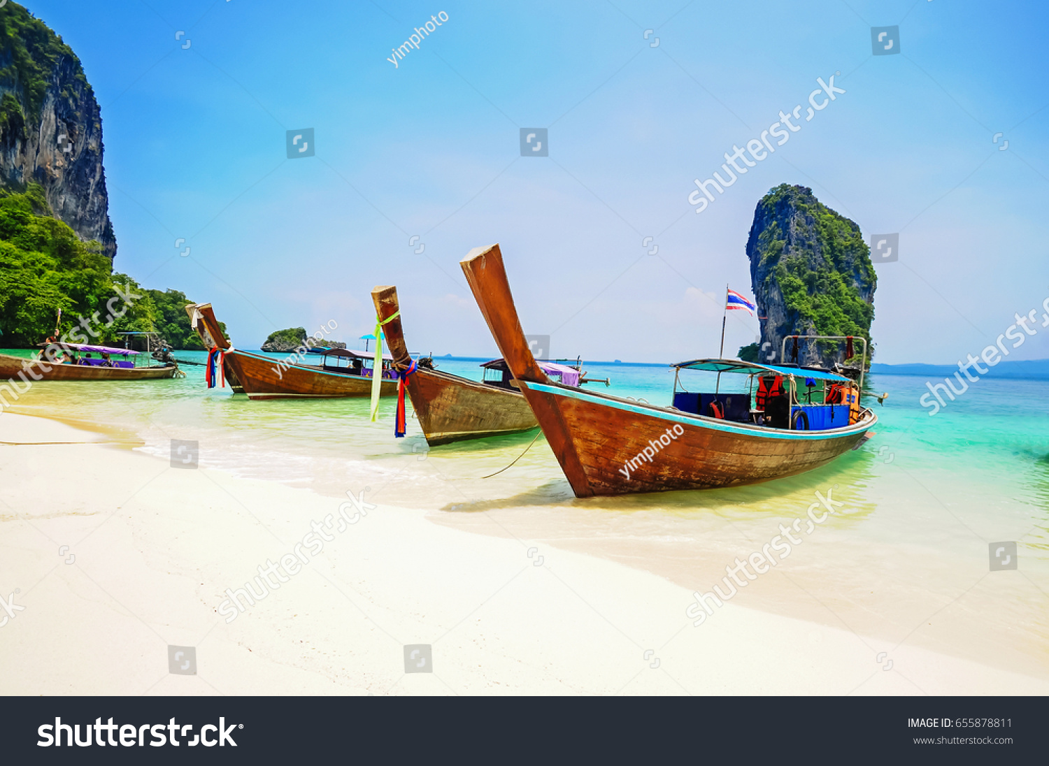 Tourists dream is sunny Thailand