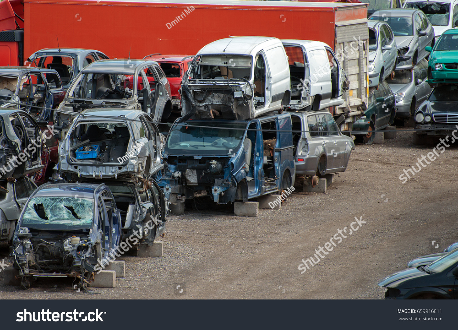 Old Vehicles Scrap Yard Stock Photo 659916811 - Shutterstock