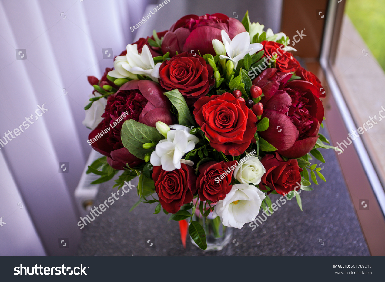 Bridal bouquet fresh flowers of red color ez canvas id 661789018 izmirmasajfo