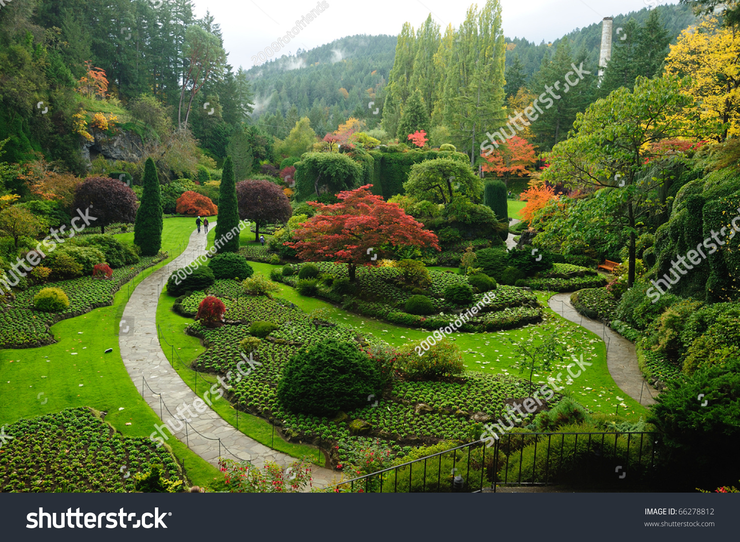 Autumn butchart gardens victoria british columbia stock for Gardening tools victoria bc