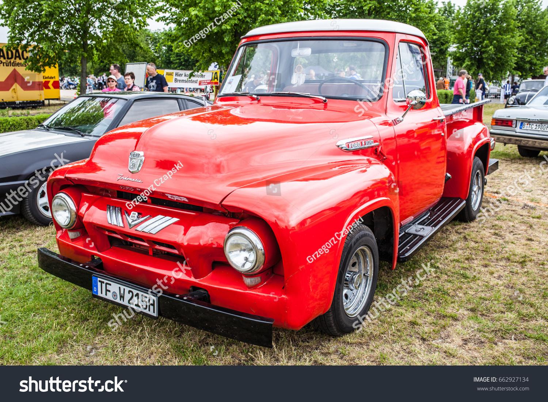 Paaren Im Glien Berlin Germany June Stock Photo Edit Now 662927134 1955 Ford F100 Vector 03 2017 Oldtimer Show