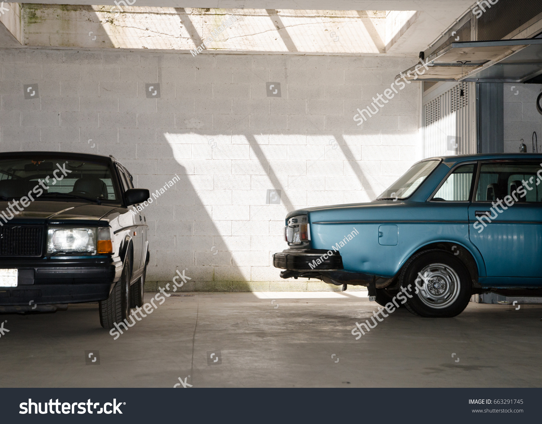Two Halves Vintage 80s Cars Garage Stock Photo 663291745 ...