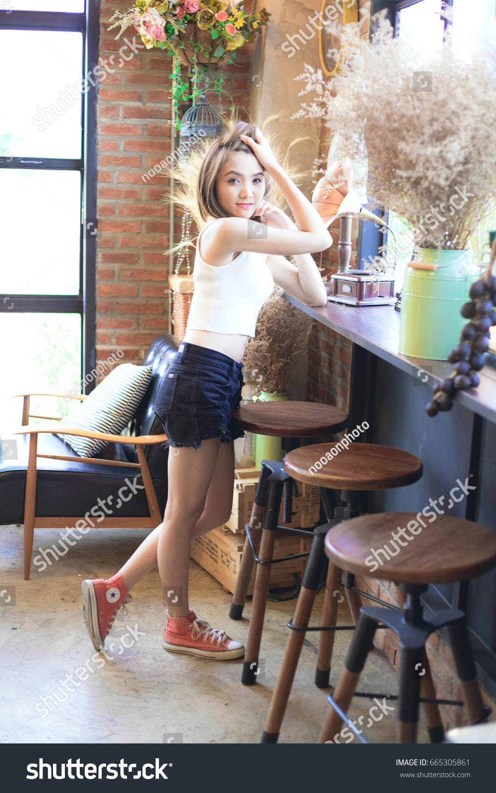 3bdc5f5c0703af Olw Pak Khat Bueng Kan Thailand 20170605 Girl Wearing Red Stock ...