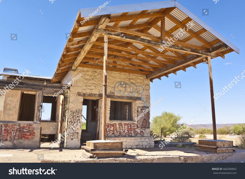 Ghostly Remains Abandoned Gas Station Arizona Stock Photo Edit Now 666284842