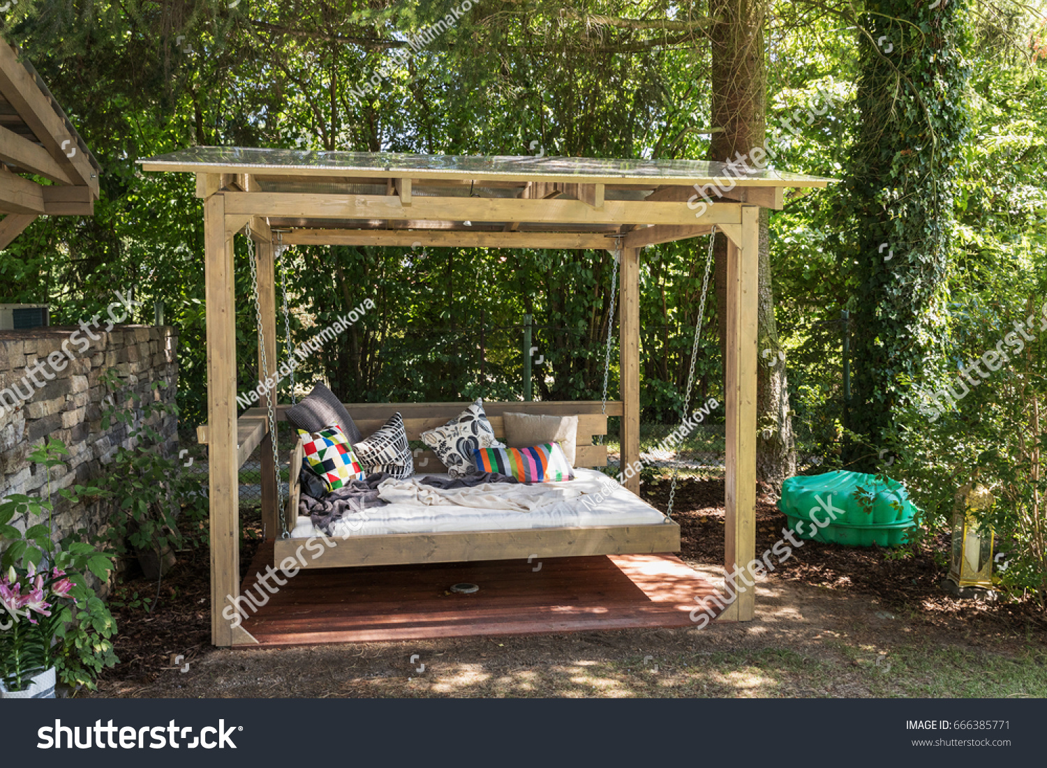 Photoedit Big Swing Stock Chaise Bed Now666385771 Outdoor Longue MzpUVS