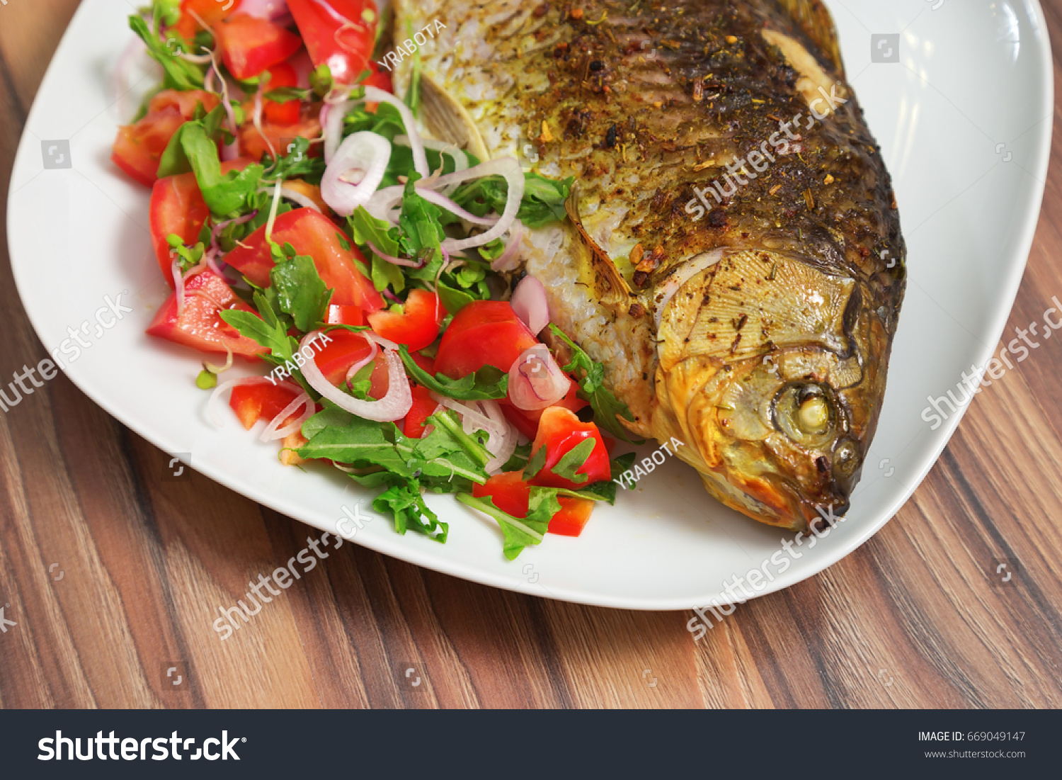 How to cook a crucian Carp roasted, baked, in sour cream - recipes, photos 35