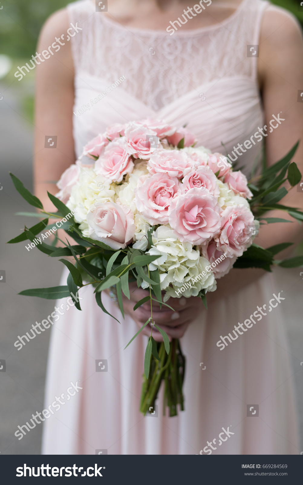 Pink White Bridesmaid Bouquet Stock Photo Royalty Free 669284569