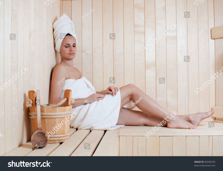 naked women in saunas
