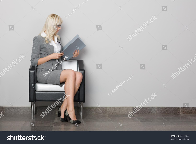 Фото женщин сидя