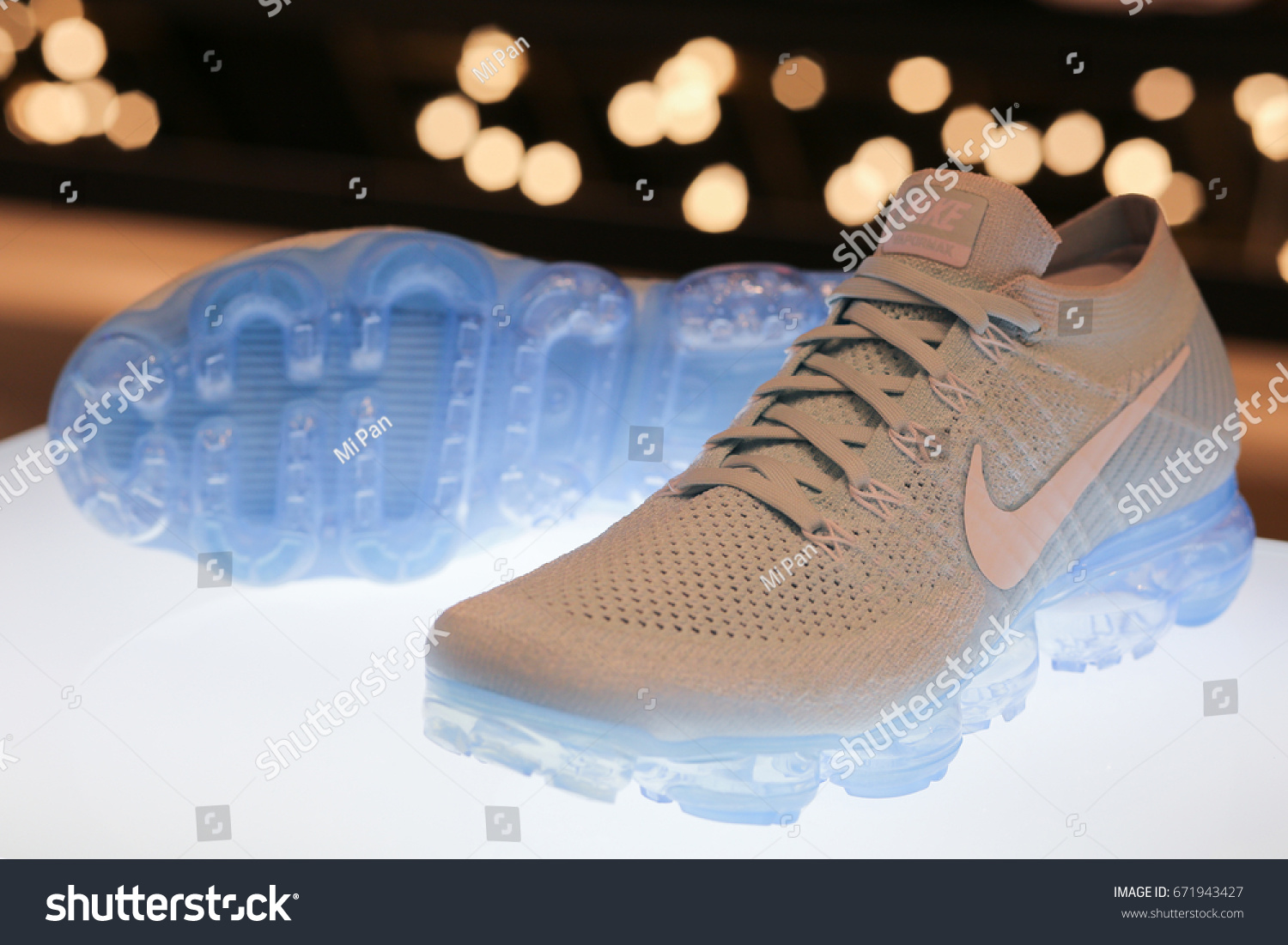 Max Ukraine stock de Photo Nike de modifier Kiev Vapormax Air SwXnqp0xO