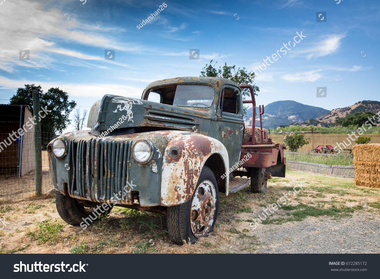 Rusted Old Truck Near Farm Stock Photo 672285172 - Shutterstock