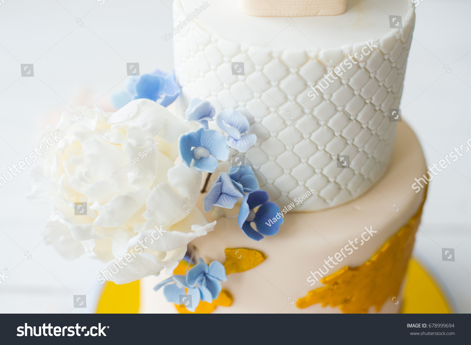 Unusual Wedding Cake Stock Photo (Download Now) 678999694 - Shutterstock