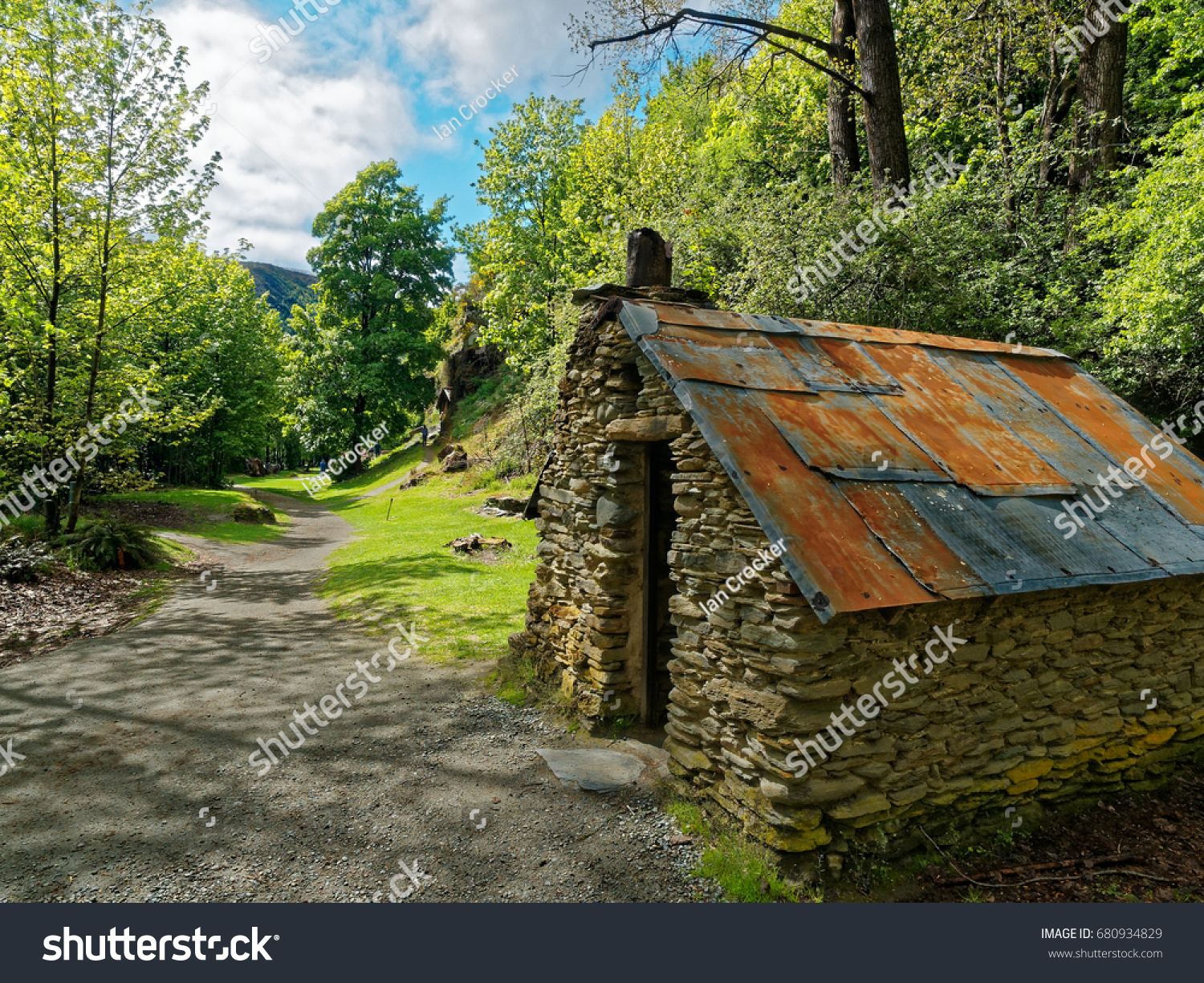 Chinese Gold Miners House Garden Arrowtown Stock Photo (Edit Now ...