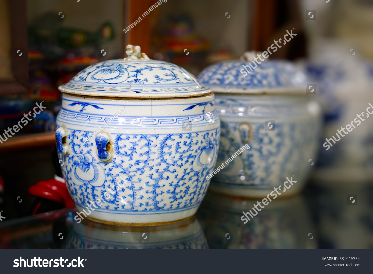 Chinese antique vase stock photo 681916354 shutterstock chinese antique vase reviewsmspy