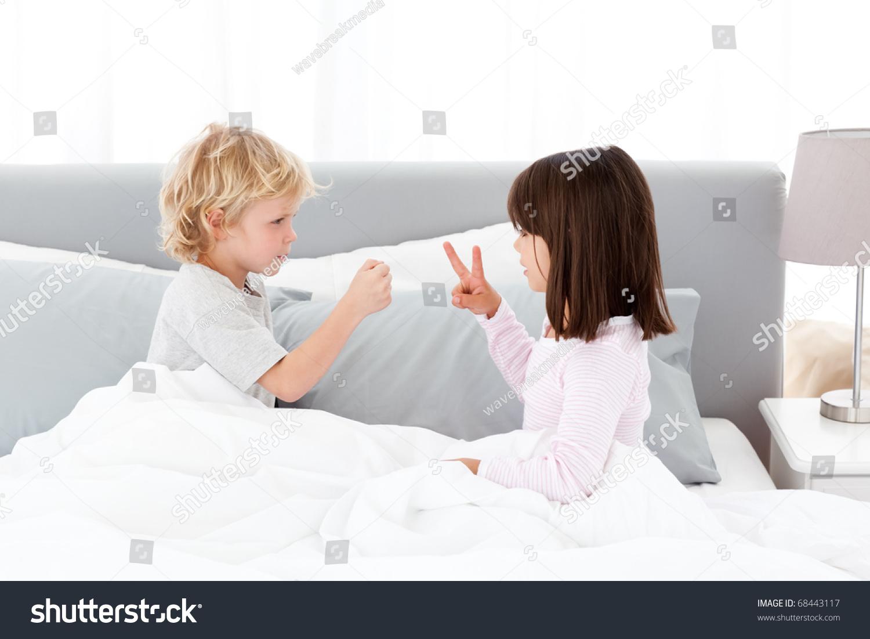 porno-igri-brat-s-sestroy