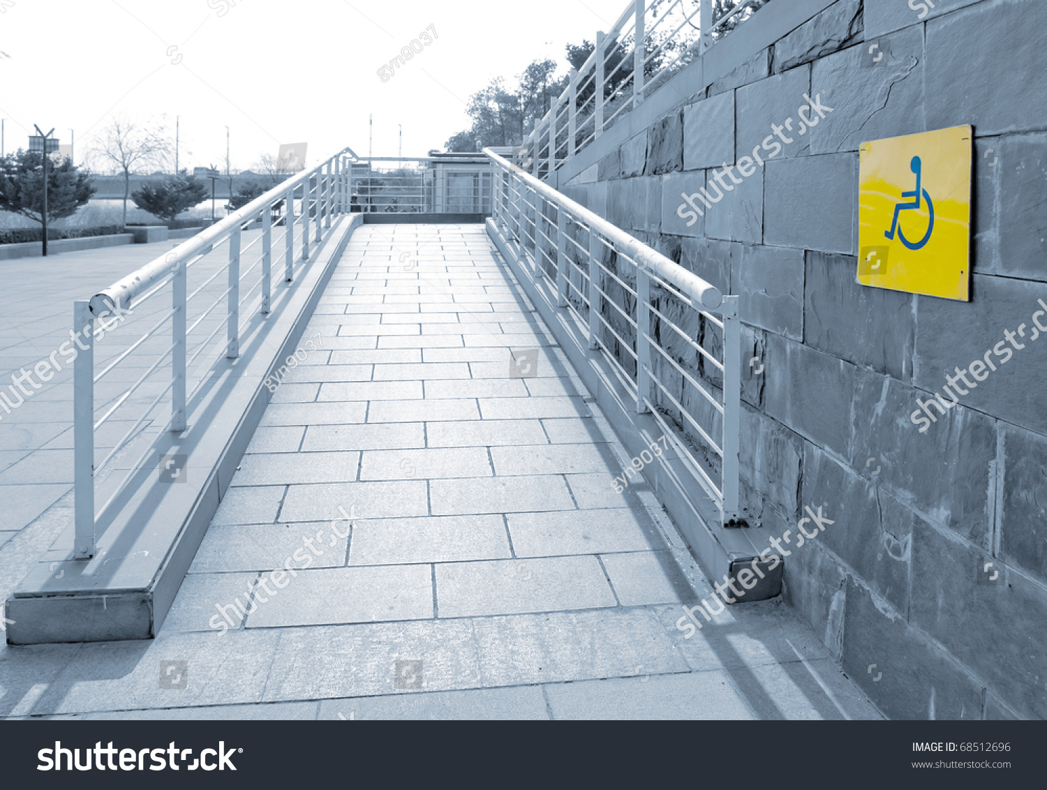 Using wheelchair rampbarrierfree access stock photo for Barrier free home plans