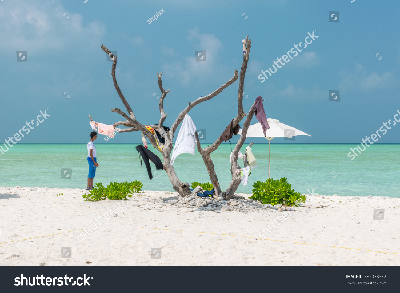 16102016 Lakshadweep Islands India Man Standing Stock Photo (Edit