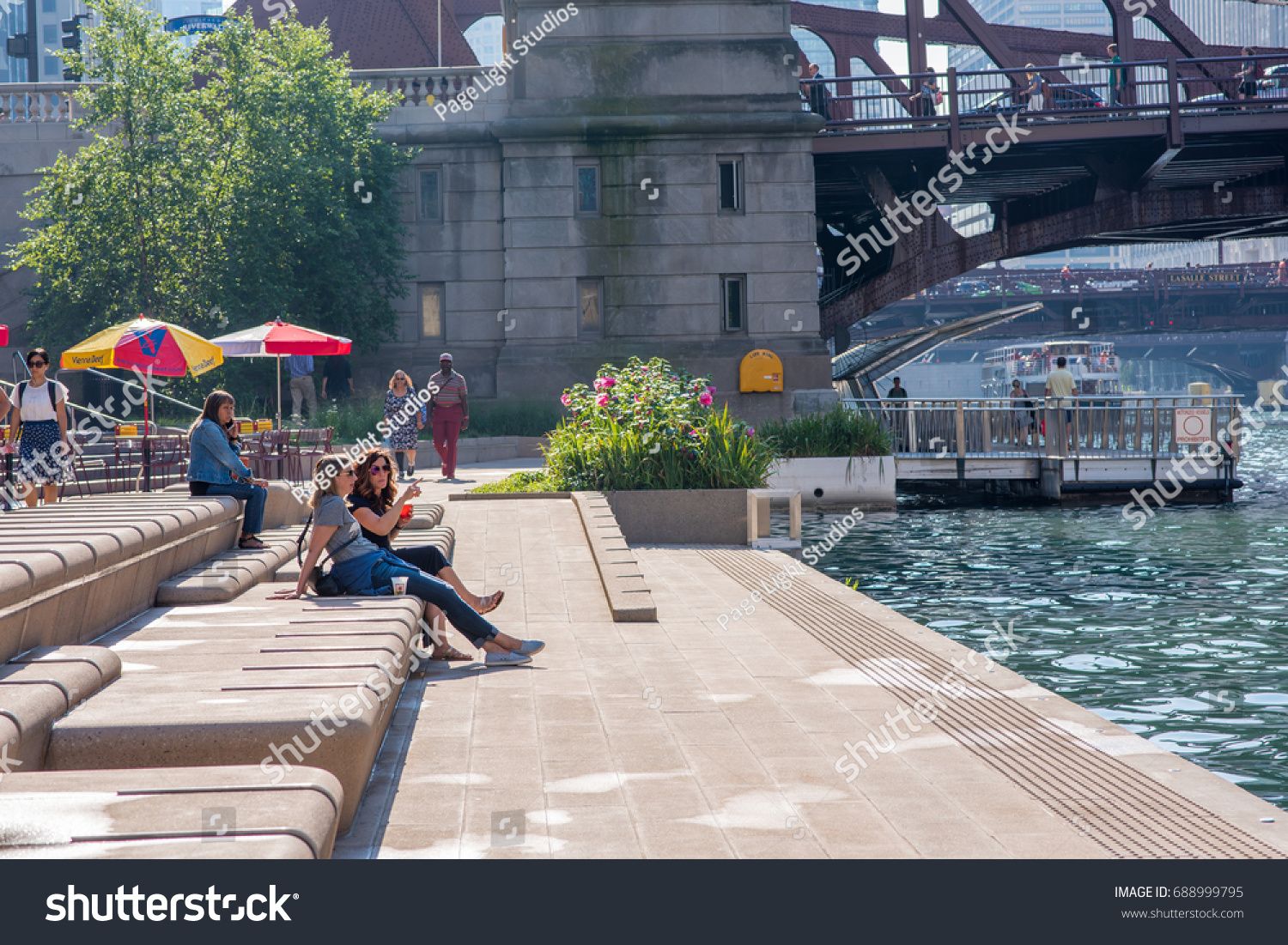 Chicago, IL, August 1, 2017: Friends Relax For Happy Hour At One