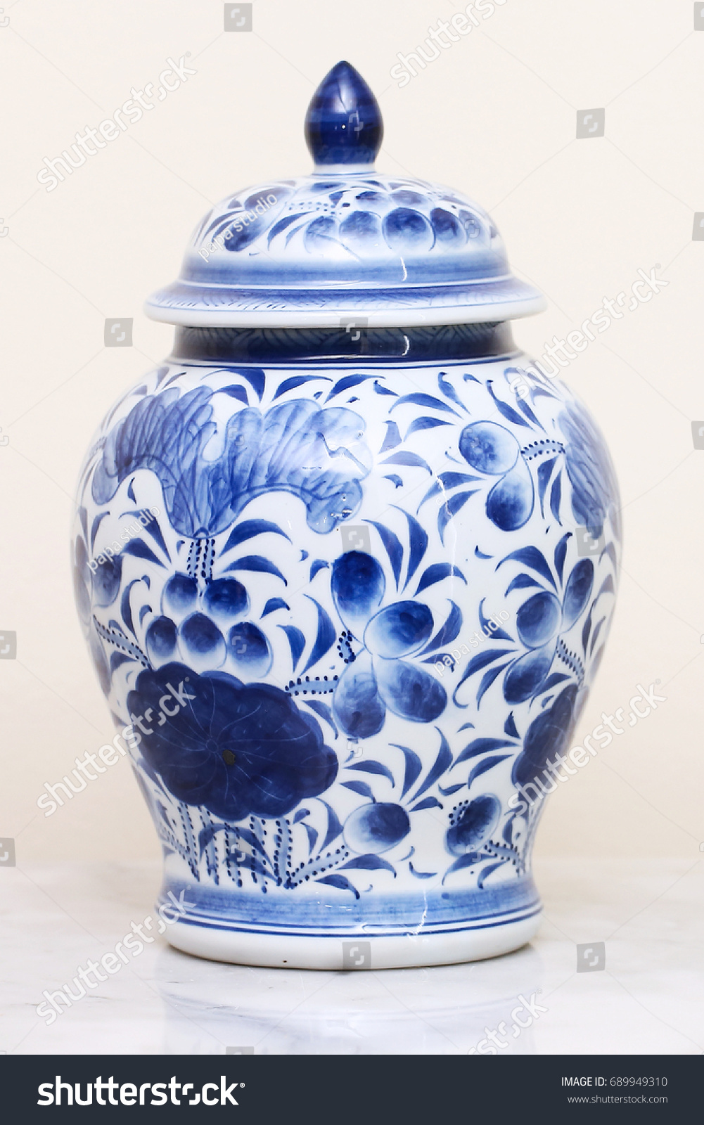 Chinese antique vase stock photo 689949310 shutterstock chinese antique vase reviewsmspy