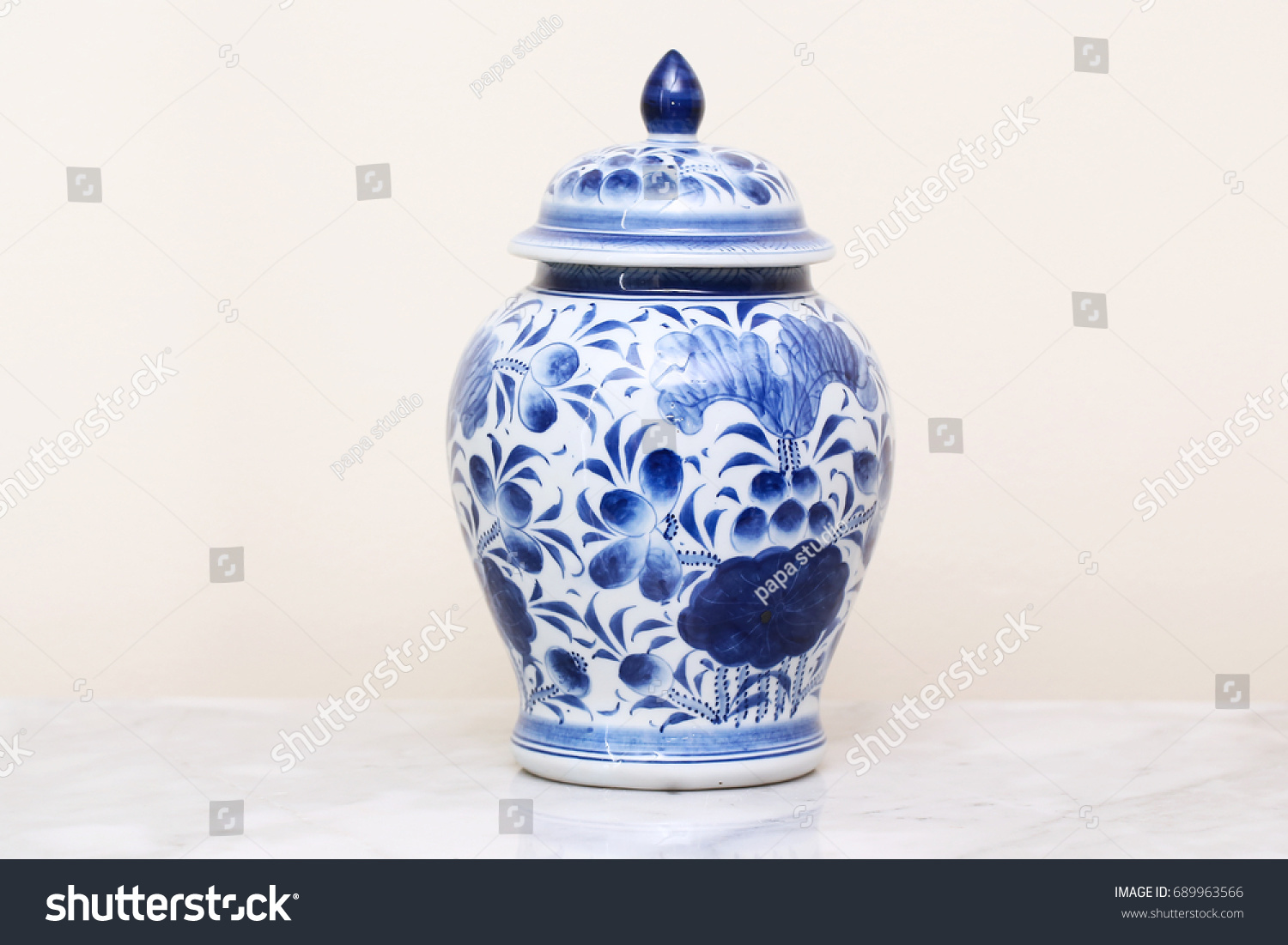 Chinese antique vase stock photo 689963566 shutterstock chinese antique vase reviewsmspy