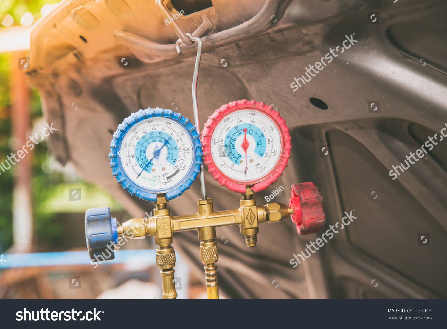 Manometer Pressure Gage Refrigerant Refill Car Stock Photo ...