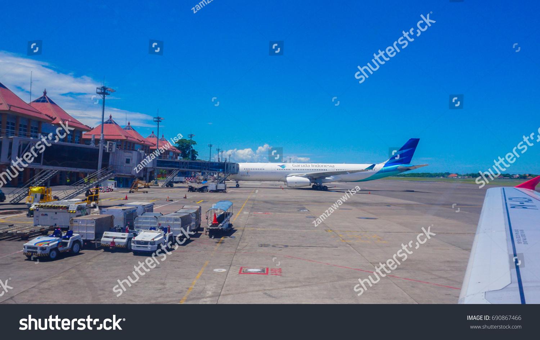 Aeroporto Bali : Bali airport ngurah rai denpasar indonesia march stock photo edit