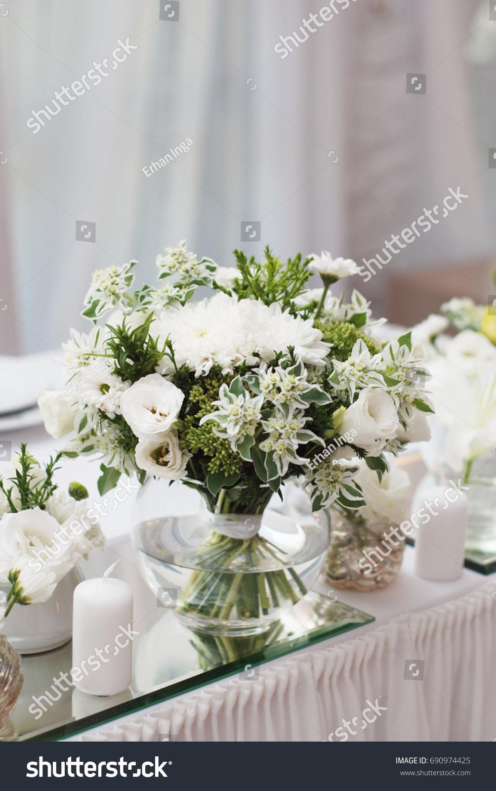White Flower Bouquet In Glass Vase Bridal Table Ez Canvas