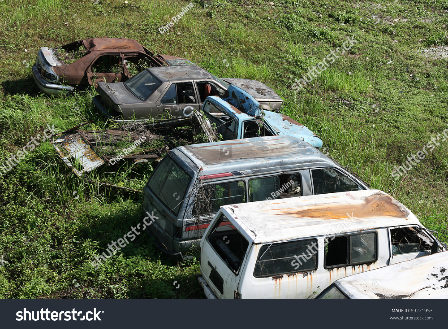 Old Unwanted Cars Vans Rot On Stock Photo 69221953 - Shutterstock