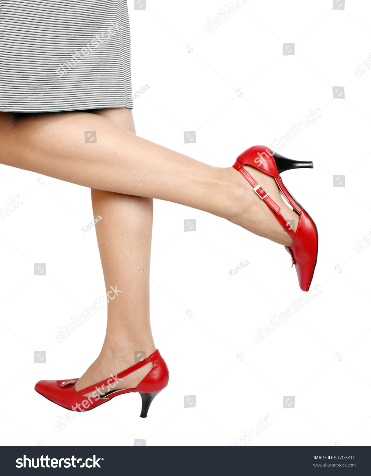 We offer you a very large selection of Overstock Shoes. Simply click on a size below to choose from dress Overstock Shoes, casual Overstock Shoes, or athletic Overstock Shoes. To go to our home page, click here. To use our Advanced Search, click here.