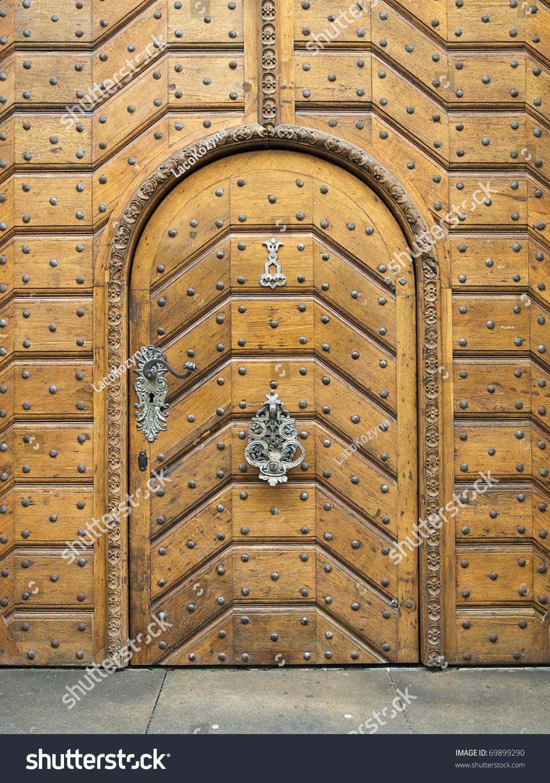 Royalty-free Old wooden castle Door #69899290 Stock Photo | Avopix.com