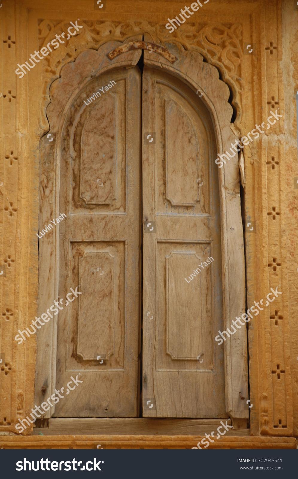 Antic Wood Door & Antic Wood Door Stock Photo (Royalty Free) 702945541 - Shutterstock