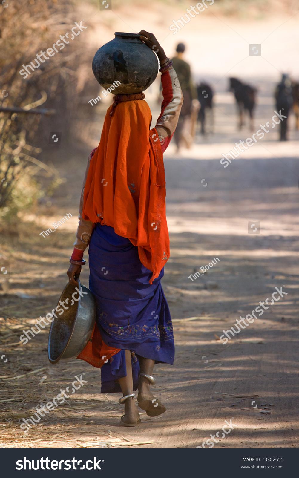 indian women walking home