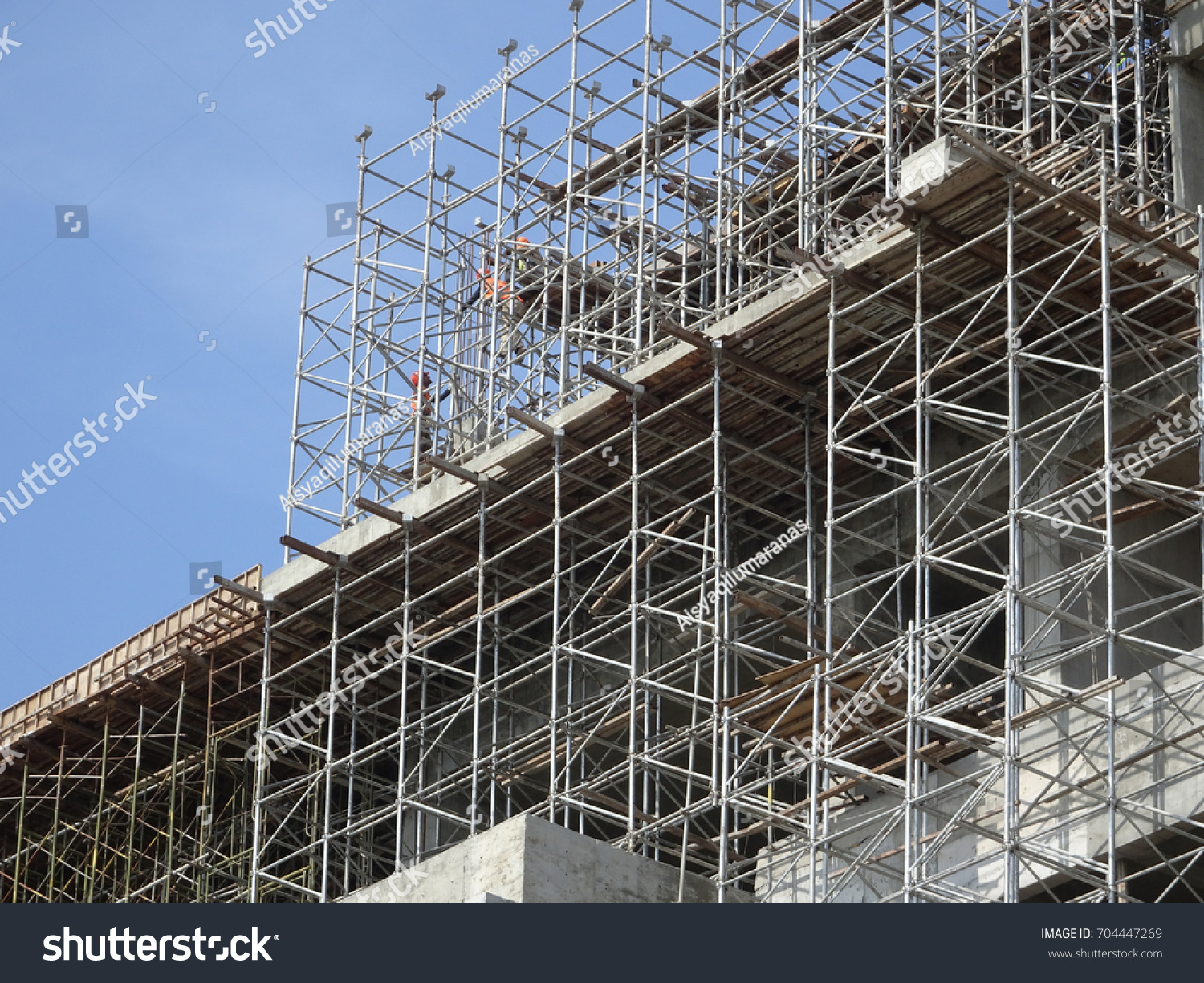 Temporary Construction Structures : Scaffolding used temporary structure support building
