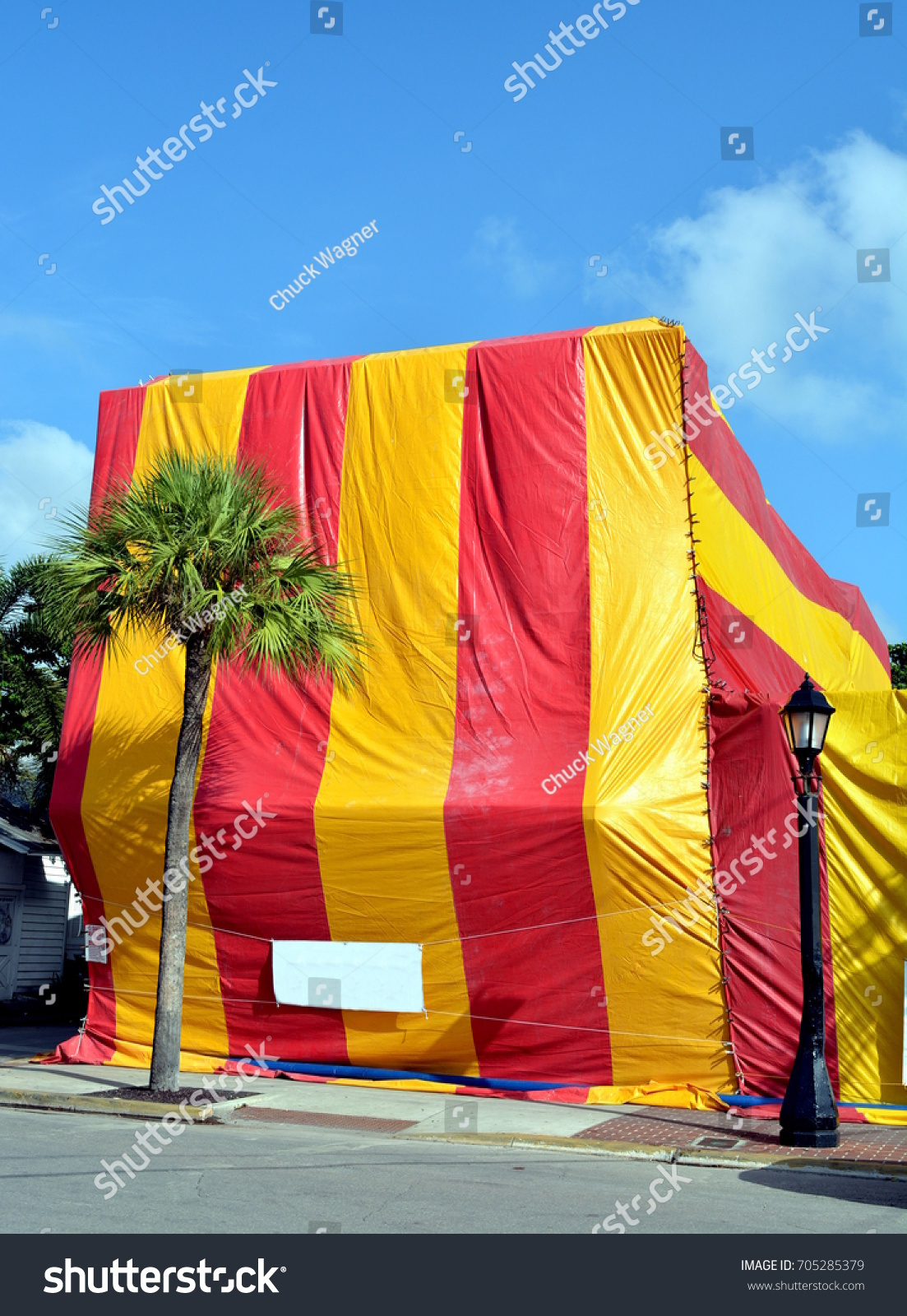 A building in Key West Florida covered with a canvas tent for termite fumigation & Building Key West Florida Covered Canvas Stock Photo 705285379 ...
