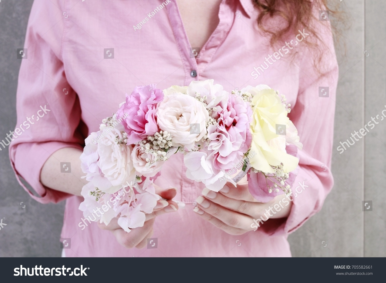 Florist Work How Make Flower Crown Stock Photo Edit Now 705582661
