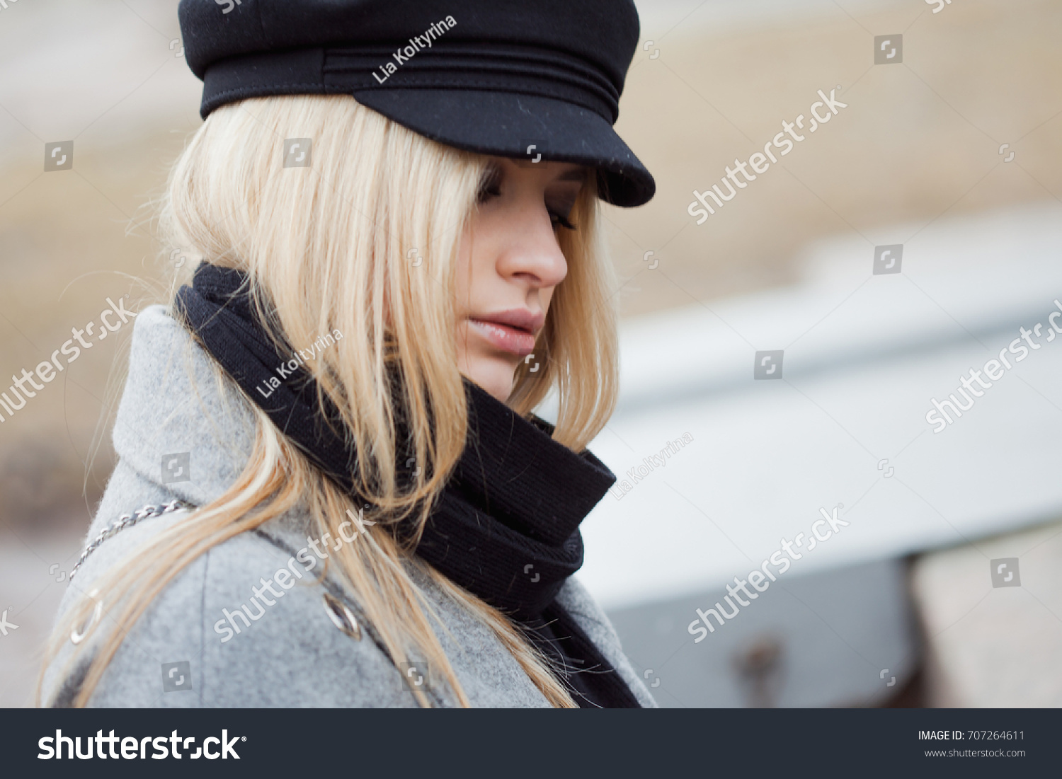 Look - Girl stylish images with hat video