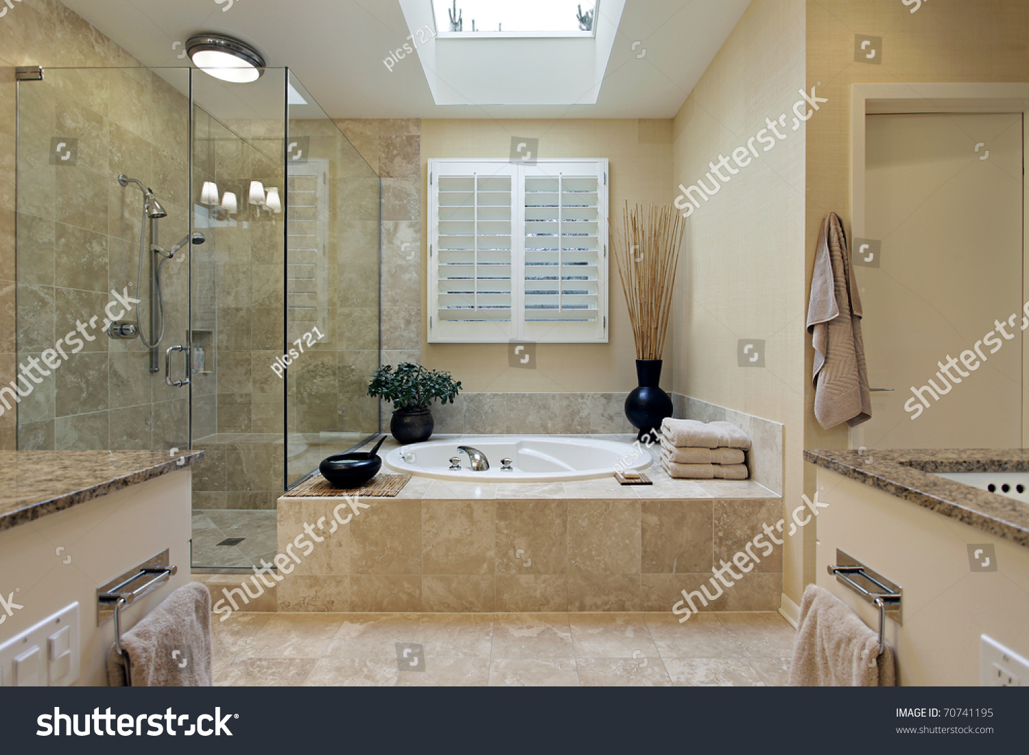 Luxury master bathroom - Luxury Master Bath With Skylight Over Bath Tub Preview Save To A Lightbox