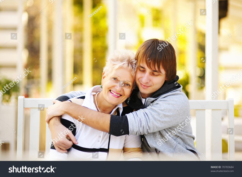 Смотреть любовь матери к сыну 1 фотография