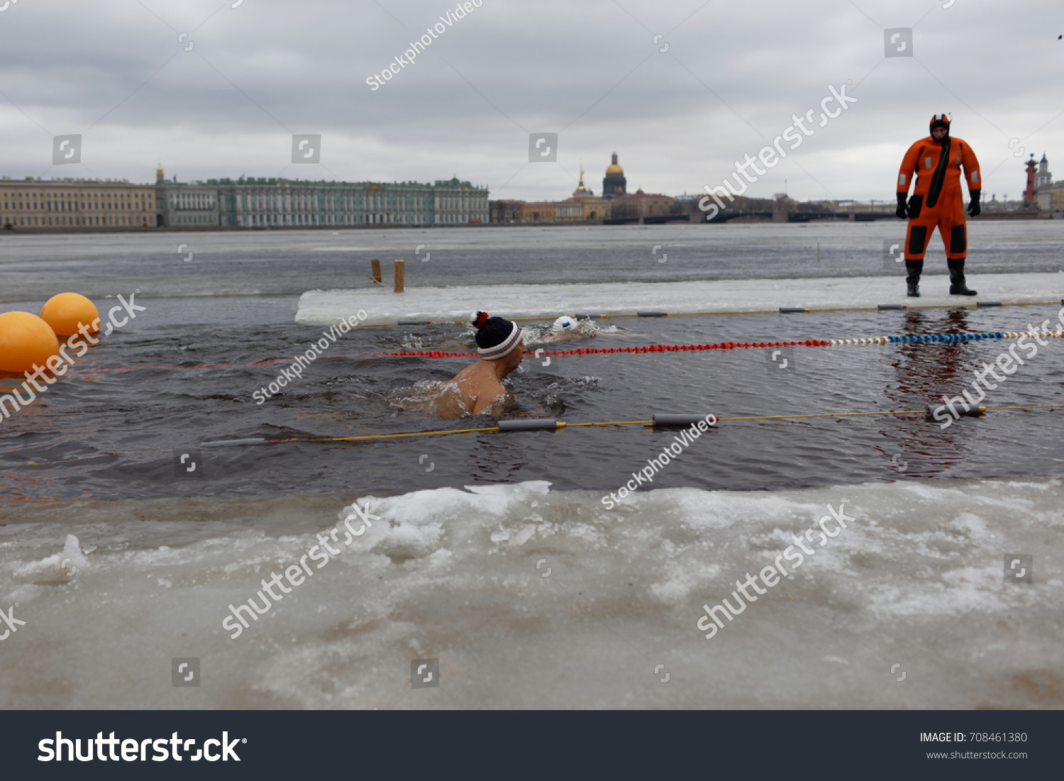 To swim in the winter in St. Petersburg Welcome to the October Pool