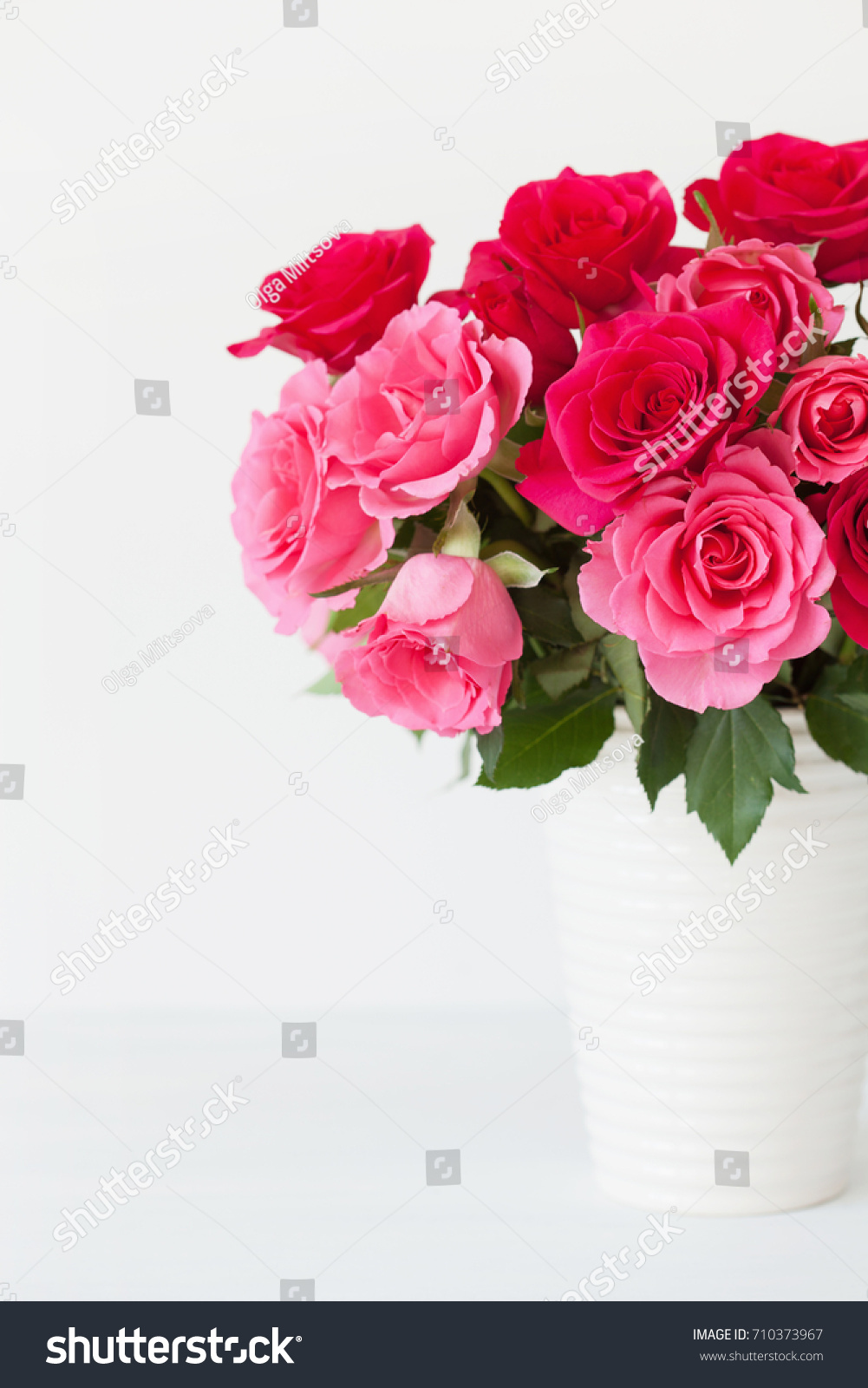 Beautiful Red Rose Flowers Bouquet Vase Stock Photo (Royalty Free ...